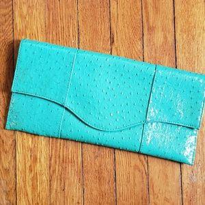 Fashionable clutch purse